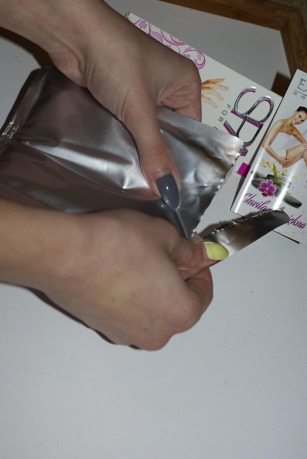 SPA dla dłoni - rękawiczki do rąk z kwasem hialuronowym.